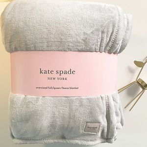 Kate Spade Oversize Full/QN Gray Fleece Blanket